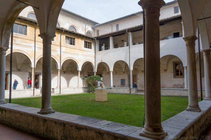 chiostro sant'agostino Stelle di Pietrasanta