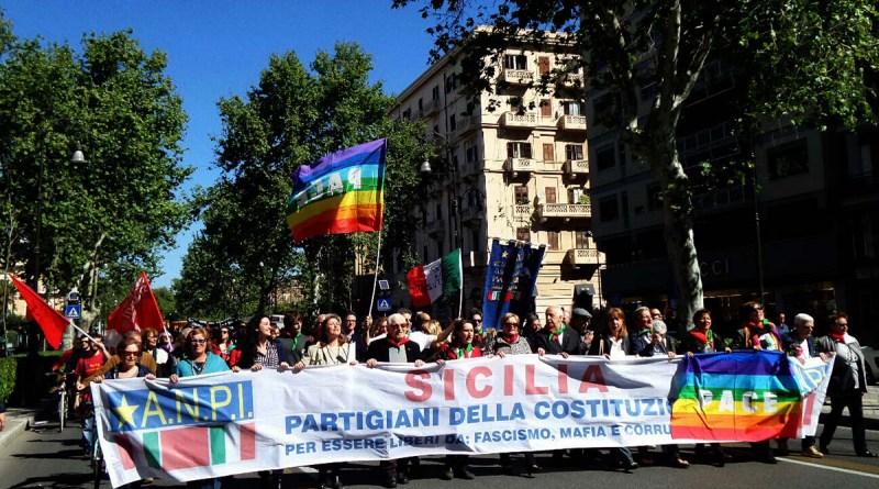 Corteo ANPI per il 25 aprile in via Libertà a Palermo