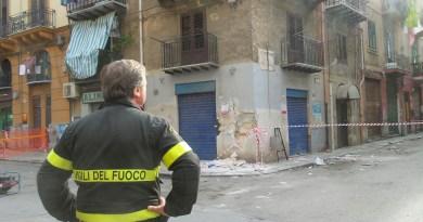 Palazzina pericolante Palermo, Vigili del Fuoco