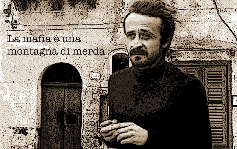 """""""La mafia è una montagna di merda"""" (Peppino Impastato))"""