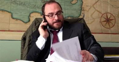 """Secondo il capogruppo di Sinistra Comune al consiglio comunale, Giusto Catania, """"spiace sottolineare l'assenza del Partito Democratico""""."""
