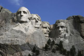 Le statue dei quattro presidenti americani scolpite sul Monte Rushmore, nelle Black Hills