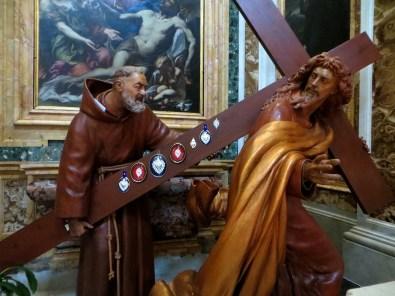 Padre-Pio-chiesa-San-Salvatore-in-Lauro