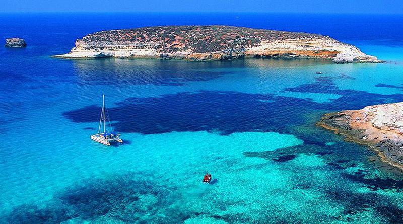 Da 31 anni aspetta sanatoria, il Tar condanna il Comune di Lampedusa