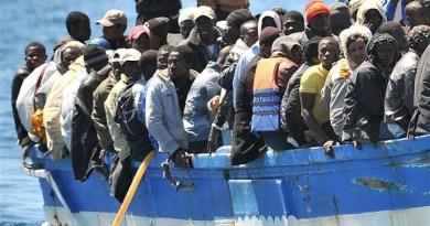 A Catania arrivata nave con oltre 400 migranti a bordo