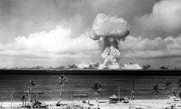L'esplosione Able sull'Atollo di Bikini, il 1° luglio 1946