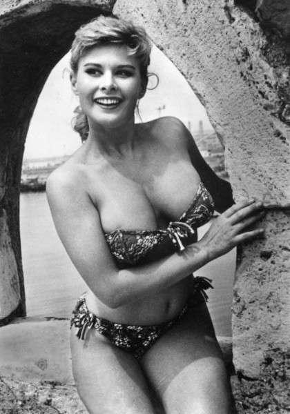 Marisa Allasio, che lasciò il cinema per sposare nel 1958 il conte Pier Francesco Calvi di Bergolo, figlio della principessa Iolanda Margherita di Savoia, primogenita di Vittorio Emanuele III