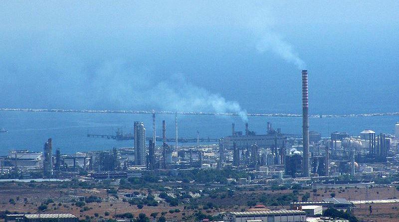 sequestrati impianti petrolchimico siracusano