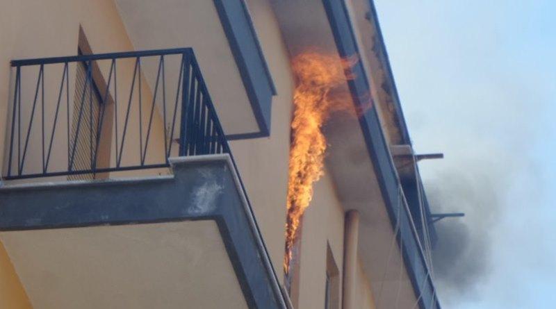 uomo carbonizzato incendio Palermo
