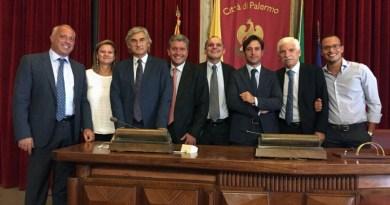 Consiglieri di opposizione al Comune di Palermo. Sala del Consiglio comunale