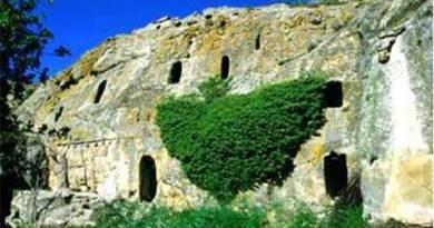 Le Grotte della Gurfa ad Alia