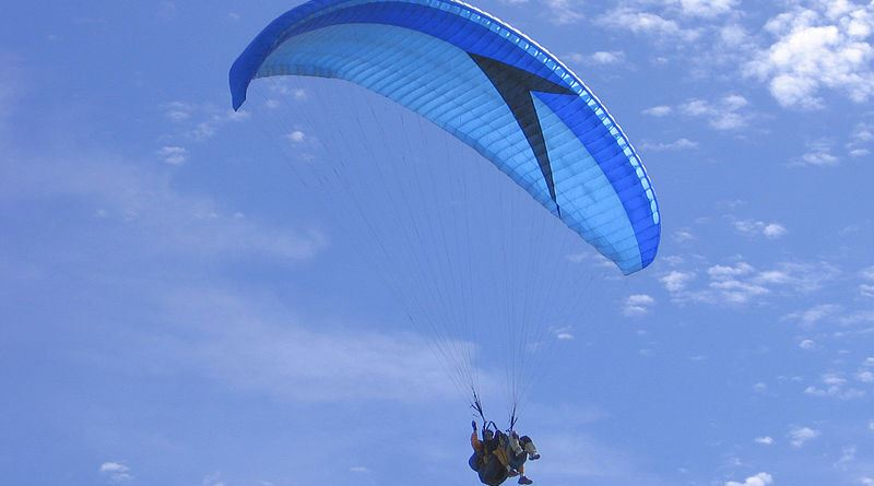 tragico volo con il parapendio