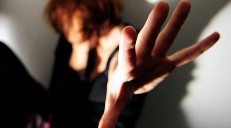 Una donna aggredita dal suocero a Pioppo