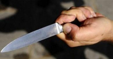 Catania, tenta di uccidere a coltellate ex compagna e suocero