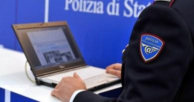 Catania, posta foto di pistola per minacciare uomo che ha insidiato la fidanzata: denunciato