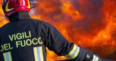 Esplode una bombola a Palermo: 4 pompieri feriti