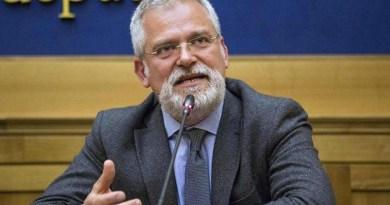 Spaccatura in Liberi e Uguali, tra il senatore uscente Francesco Campanella, che ha annunciato l'intenzione di non ricandidarsi, e il suo collaboratore parlamentare, Serafino La Corte