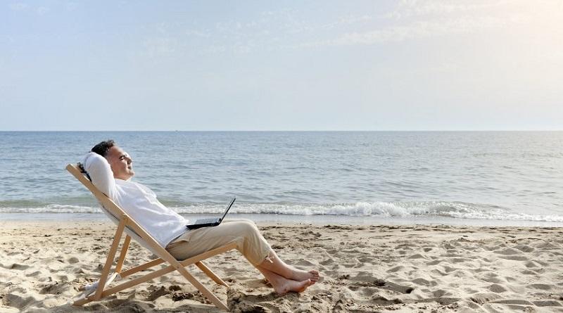 Rimanere 15 minuti da soli al giorno, facendo qualcosa di rilassante come leggere un libro o meditare, potrebbe contribuire a ridurre stress e irritabilità
