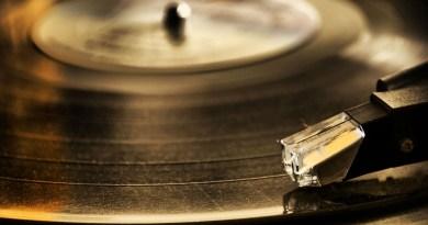 vinile, la cenere dei defunti diventa musica