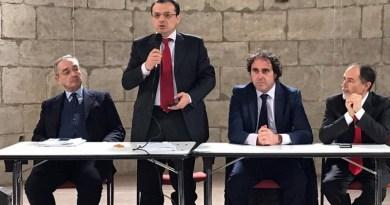 """Il deputato regionale Cateno De Luca in conferenza stampa: """"Ho presentato un esposto in cui denuncio magistrati, finanzieri e un avvocato"""""""
