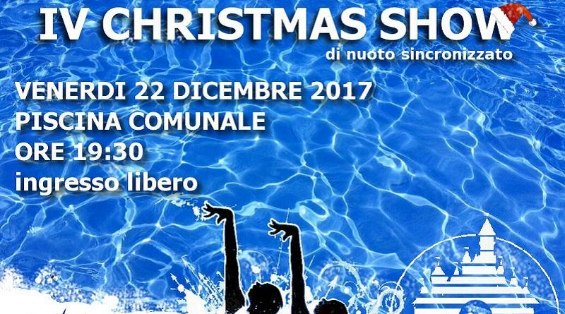 Sessanta atlete del nuoto sincronizzato al Christmas Show organizzato alla piscina comunale di Palermo dalla società sportiva Rari nantes