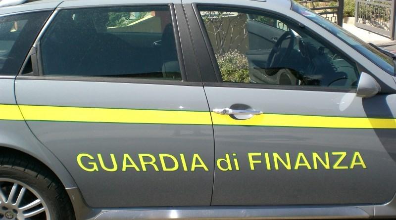 Palermo, sequestrata nave con a bordo 20 tonnellate di hashish: 11 arresti