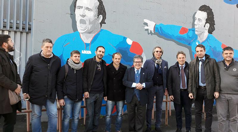"""Enzo Bianco inaugura murales """"50 volti per il Cibali"""""""
