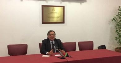 Leoluca Orlando annuncia, in una conferenza stampa indetta a Palazzo delle Aquile, la sua adesione al Partito Democratico