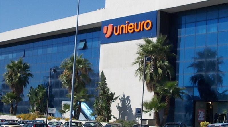 """Due punti vendita su tre a rischio chiusura. Unieuro dice addio alla Sicilia. Il M5S: """"Governo intervenga, a rischio un centinaio di posti di lavoro""""."""