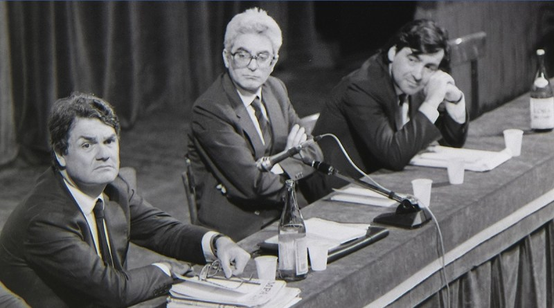 """Leoluca Orlando torna al Partito Democratico. Era il 1999, quando aderiva al partito dei """"democratici"""" fondato da Romano Prodi"""