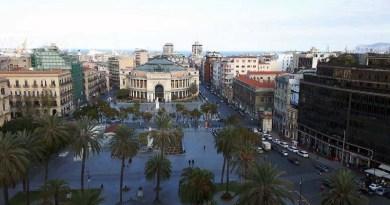 Due ragazzine di 14 anni aggredite a calci e pugni da quattro loro coetanee in piazza Castelnuovo a Palermo. Nessuno le ha aiutate