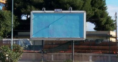 Palermo, il Comune oscura pubblicità sessista