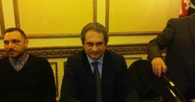 """Durante il comizio il leader di Forza Nuova Roberto Fiore parla della scarcerazione degli aggressori di Ursino: """"È uno scandalo, magistratura di Palermo deviata"""""""