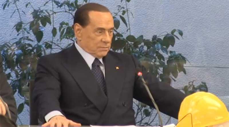 """""""Mandate a votare le vostre moglie e le vostre amanti"""". Berlusconi non si smentisce..."""