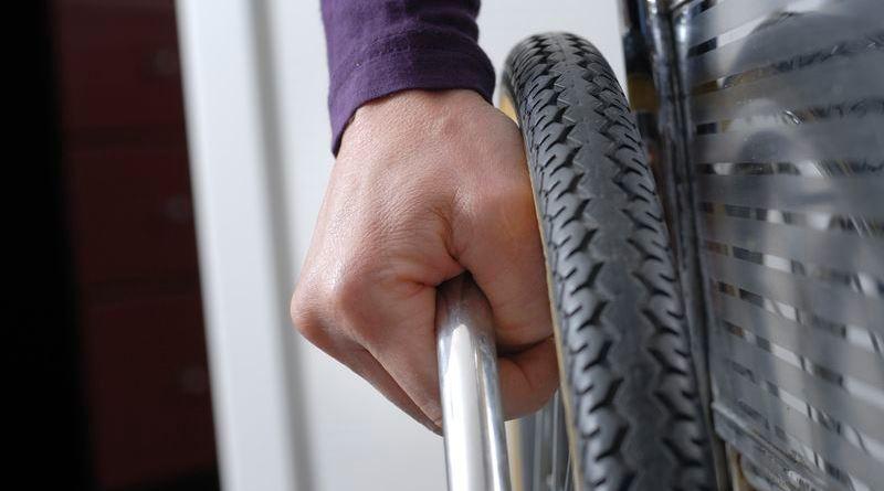 Disabile raggirato dalla badante a Misilmeri: sequestrati 2,3 milioni di euro