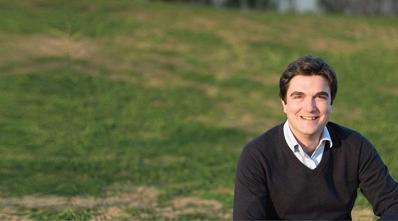 Francesco Bertolino, consigliere comunale eletto con la lista Palermo 2022 che sosteneva Leoluca Orlando, ha deciso di aderire, come già fatto dal sindaco, al Pd