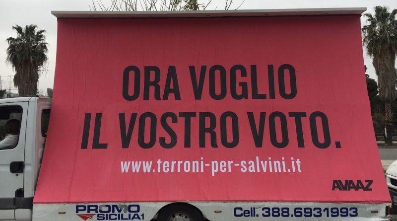 Il finto Salvini arriva con i ragazzi di Avaaz, organizzazione no profit che ha fatto diverse campagne di comunicazione, soprattutto online, contro i partiti di estrema destra in Europa e non solo.