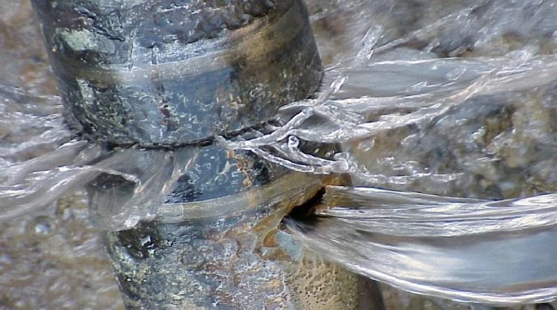 sete: acqua che si perde da tubature colabrodo