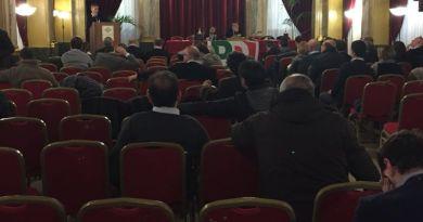 La direzione regionale del partito democratico convocata per questa mattina a Palermo è stata l'occasione per il segretario regionale Fausto Raciti per rassegnare le dimissioni