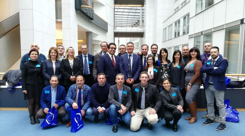 Giovanni La Via con una delegazione amministratori siciliani a Bruxelles