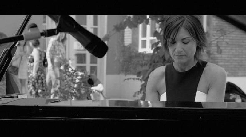 """Roberta Di Mario è una pianista e compositrice, presenta Illegacy, il suo utlimo album: """"Musica illegale, che ti ruba anima e cuore"""""""