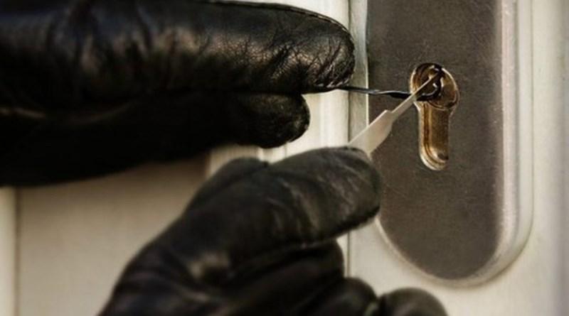 Palermo, furti e atti vandalici negli uffici Irsap di Brancaccio