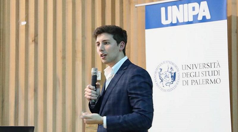 Cristoforo Giordano, il giovane imprenditore siciliano che apre la prima scuola di formazione di Trading, incontra gli studenti dell'Università di Palermo