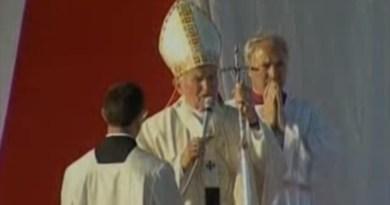 """Sono passati 25 anni da quando Papa Giovanni Paolo II ha pronunciato uno dei suoi discorsi più famosi, quello contro la mafia, gridando loro: """"Convertitevi"""". Era il 9 maggio del 1993"""