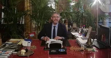 Scritte intimidatorie e offensive nei confronti del consigliere comunale Sandro Terrani, sono apparse nel quartiere Brancaccio, nella saracinesca dell'associazione Il Girasole e nel vicino campetto di calcio