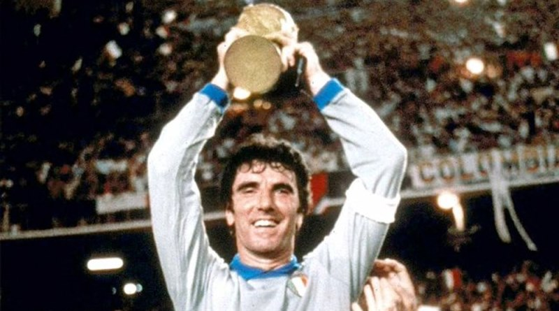 Notti Mondiali senza azzurri: i russi ci consolano con Toto Cotugno