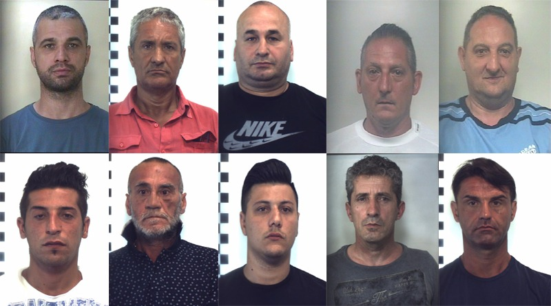 Palermo, arrestate 17 persone per associazione per delinquere transnazionale finalizzata al favoreggiamento dell'immigrazione clandestina, al traffico di armi da guerra e al riciclaggio di diamanti, oro e denaro contante