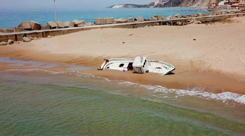 """La proposta di Mareamico: """"Riutilizzare le barche di sbarchi fantasma"""""""