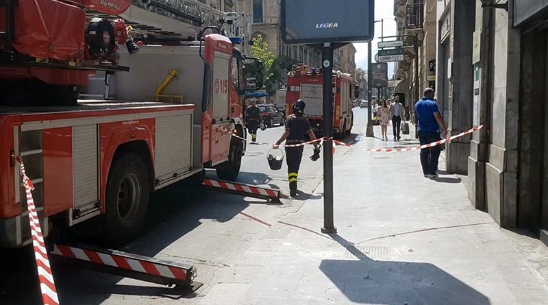 Vigili del Fuoco in via Ruggero Settimo a Palermo