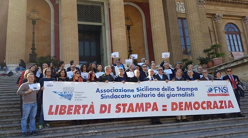 Flash Mob libertà di stampa a Palermo